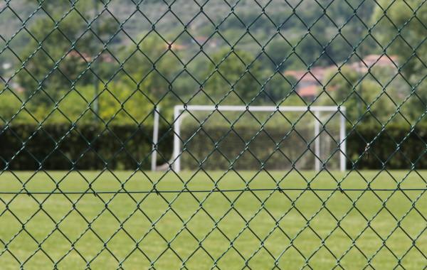Rete da recinzione, Pali da recinzione ed accessori per recinzione